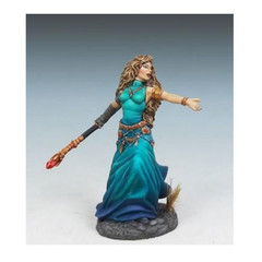 Visions in Fantasy: Female Mage w/ Staff 7308 Dark Sword Miniatures