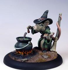 Dark Sword Limited Editions: Female Mouse Witch with Cauldron 7966