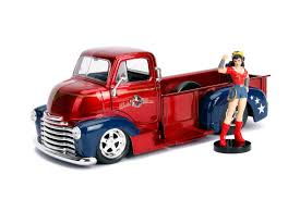 Metals Die Cast-DC Bombshells: Wonder Woman and 1952 Coe Pickup
