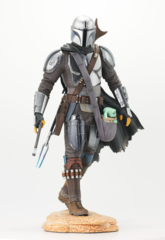 Star Wars Premier Collection - The Mandalorian w/ The Child Statue
