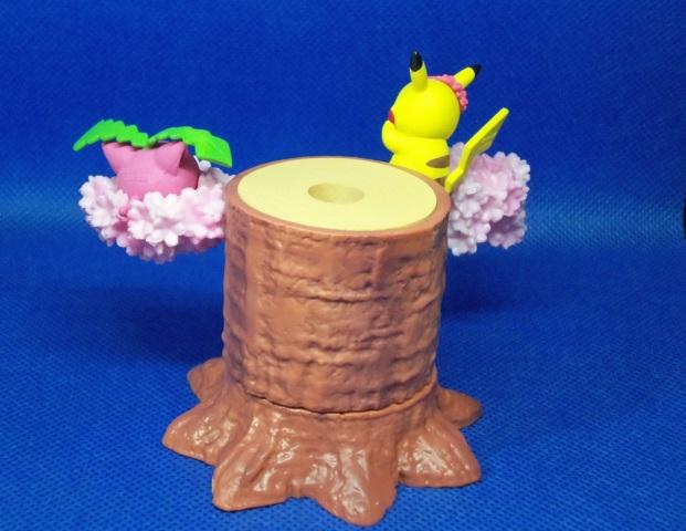 Pikachu & Hoppip  - Series 4 - 1