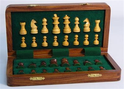 10 Folding Wood Magnetic Chess Set