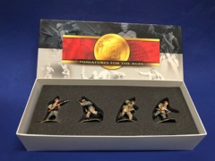 Conte WWII-031 German WAFFEN SS CHARGING (4 Figure Set) MIB