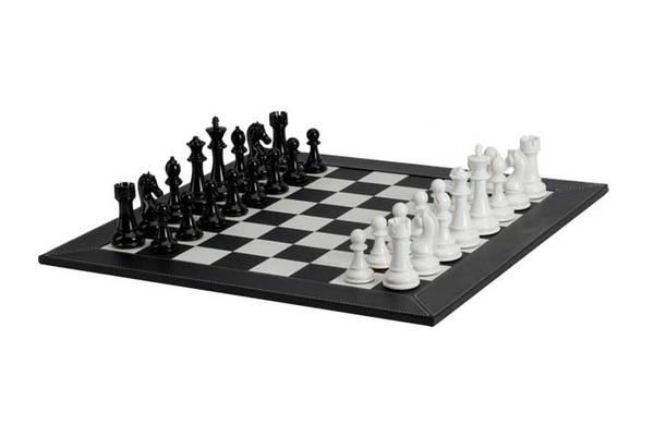 2109BS Black/ White Chess Set