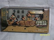 Forces of Valor UK Army Soldiers Royal Tank Regiment  8300 Scale 1:32