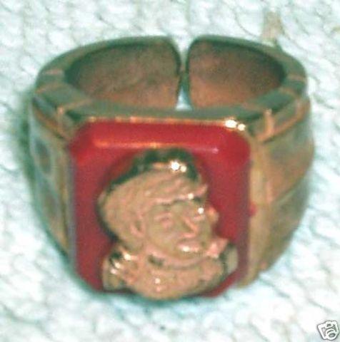 Davy Crockett Premium Ring © 1950s