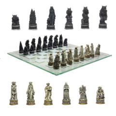 Vampire vs Werewolf Chess Set