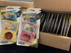 Sun & Moon - Team Up Checklane Blister Pack Box [16 Packs (8 Mimikyu, 8 Pikachu)]