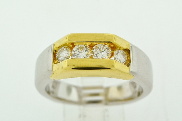 Round Brilliant-cut Diamond Ring, Set in 18k Two Tone Gold