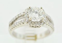 Round Brilliant-cut Diamond Engagement Ring in 14k White Gold