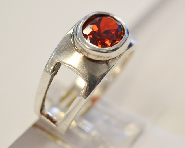 Sterling Silver Garnet Solitaire Ring