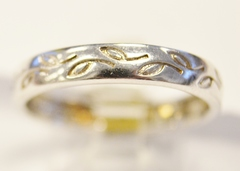 Sterling Silver Leaf Pattern Band