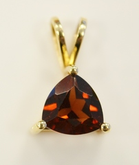 Garnet Solitaire Pendant in 14k Yellow Gold