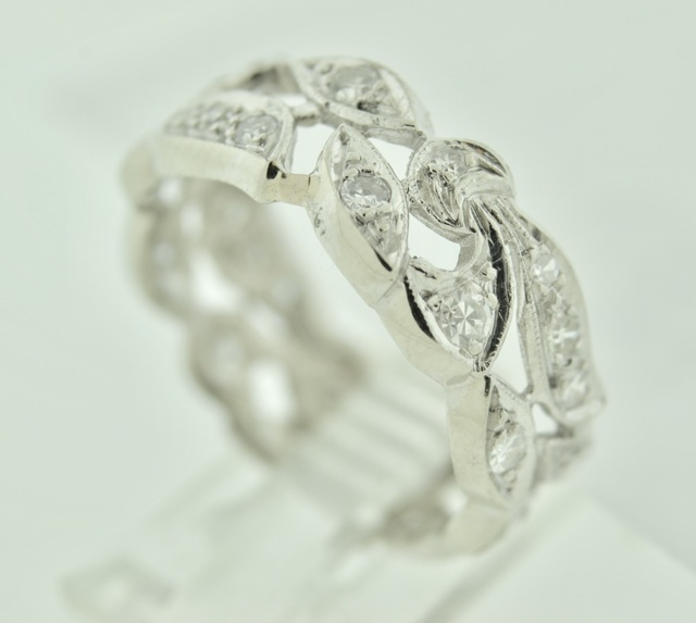 Elegant Diamond Band in 14k White Gold