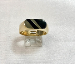 Inlay Onyx Ring in 14k Yellow Gold