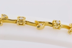 Flower Style Diamond Bracelet, Set in 14k Yellow Gold
