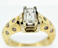 Burnish-set Diamond Engagement Ring Set in 14k Yellow Gold
