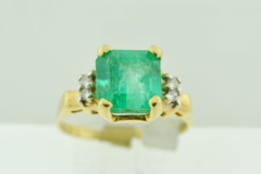 Emerald and Diamond Ring, in 14k Yellow Gold