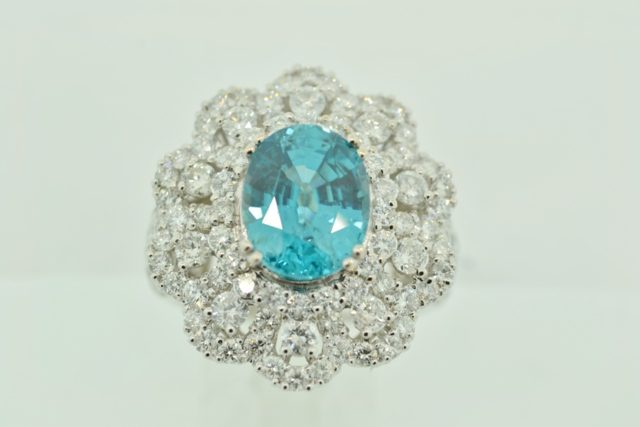 Blue Spinel and Diamond Ring, Set in 18k White Gold
