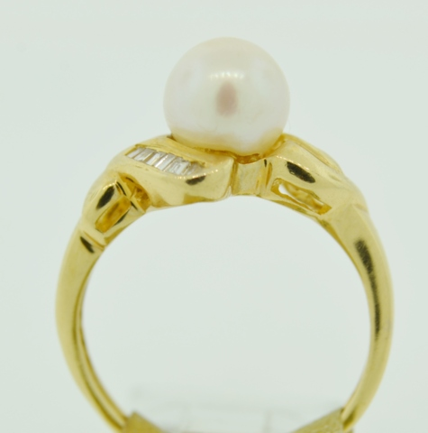 Pearl and Diamond Ring, in 14k Yellow Gold