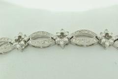 Round Brilliant-cut Diamond Bracelet, Set in 14k White Gold