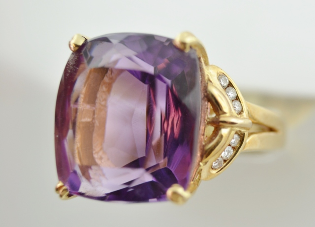 Amethyst Ring with Diamond in 14k Yellow Gold