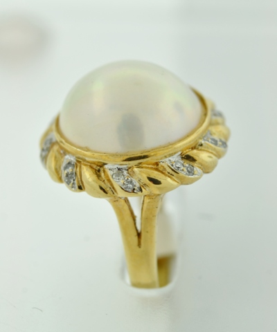 Mabe Pearl and Diamond Ring, in 14k Yellow Gold