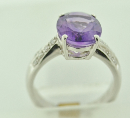 Amethyst and Diamond Ring, Set in 18k White Gold