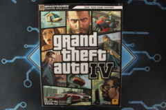 Grand Theft Auto IV Bradygames Signature Series Guide with Poster/Map