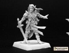 Reaper: Pathfinder Miniatures: Arael, Half Elf Cleric