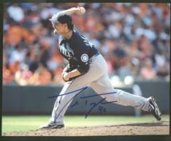Danny Farquhar Mariners Signed 8x10 Photo K