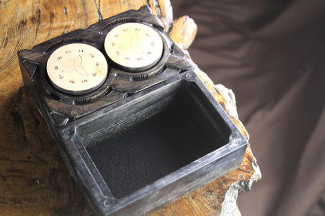 Deck Box: Flame Birch Abyssal Black - Hammer w/ Counter