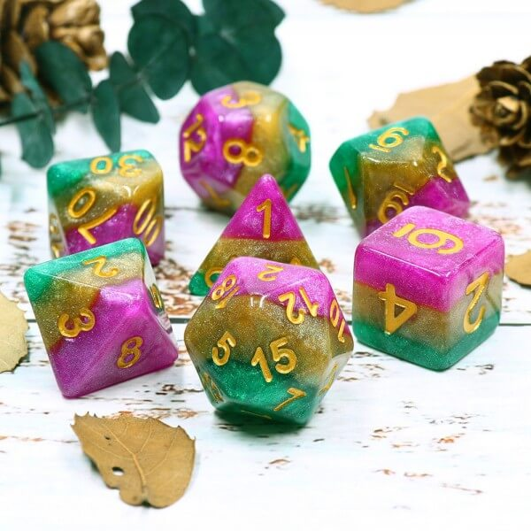 HDL-22 - 7 Green, Yellow & Fucsia w/ Gold Layered Polyhedral Dice
