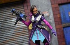 Overwatch Ultimates - Sombra Action Figure