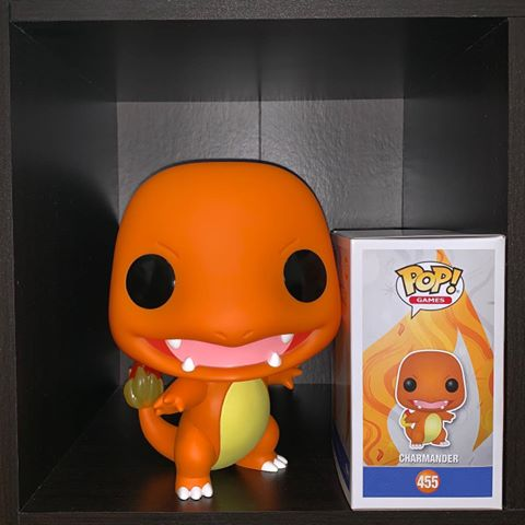 GIANT OVERSIZE FUNKO POP - CHARMANDER EXCLUSIVE