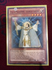 Lyla, Lightsworn Sorceress - FRENCH - SDMP-FR016 - Common - 1st Edition