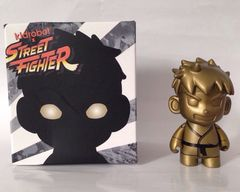 Street Fighter Kidrobot Gold Ryu NYCC Exclusive 3