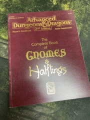 Advanced Dungeons and Dragons 2nd Edition: The Complete Book of Gnomes and Halflings