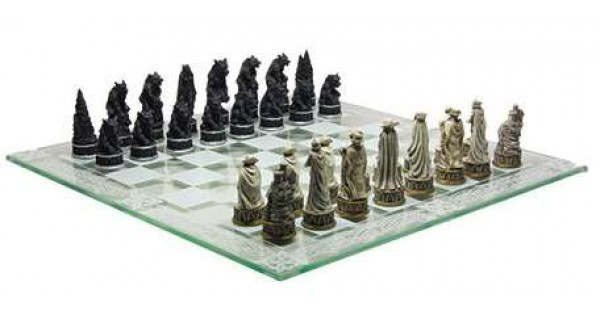 Vampire VS Werewolf (Chess Set) - Board Games » Worldwise Imports