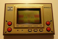 Game & Watch: Manhole (Single Screen - Gold Series)