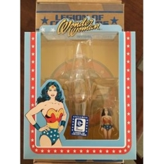 Funko - Articulated Action Figure DC Comics Legion of Collectors Exclusive - Invisible Jet with Mini Retro Wonder Woman - EXCLUS